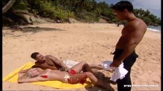 Sandy Style ma dwa kutasy dla siebie na plaży