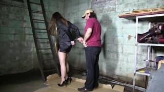Dzisiaj została jej seksualną niewolnicą