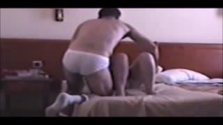 Dojrzały seks pary w hotelowym pokoju