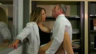 Emy Russo - seks z dojrzałą profesorką