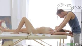 Zmysłowy masaż przerodzi się w jebanie