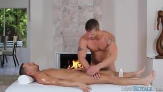 Wspaniały masaż i obciąganie kutasów