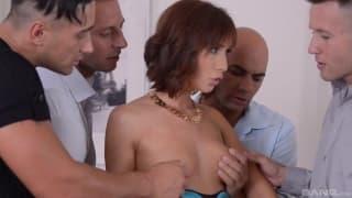 Tina Hot na ostrym gangbang z analem