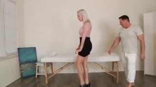 Cadence Lux - blondynkę rżnie masażysta