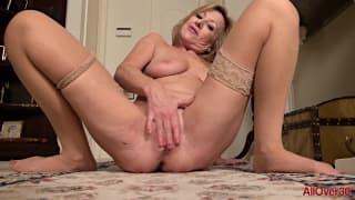 Rachel Woodbury - masturbacja kocicy