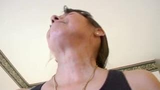 Dojrzała i sprośna nadal lubi orgietki!
