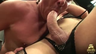 Brenda Lohan pakuje facetom kutasa do gęby