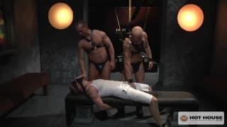 Mocny seks w ostrej scenie trzech gejów