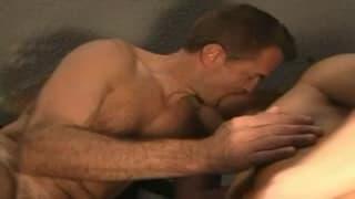 Para gejów - amatorów ma gorący seks!