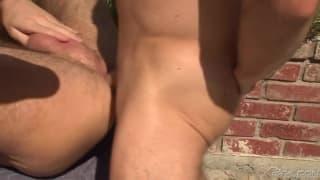 Tony Bishop i Dylan Hauser, anal na dworze