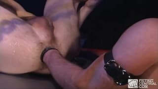 Robert Black, mocny fisting z Sean Steele